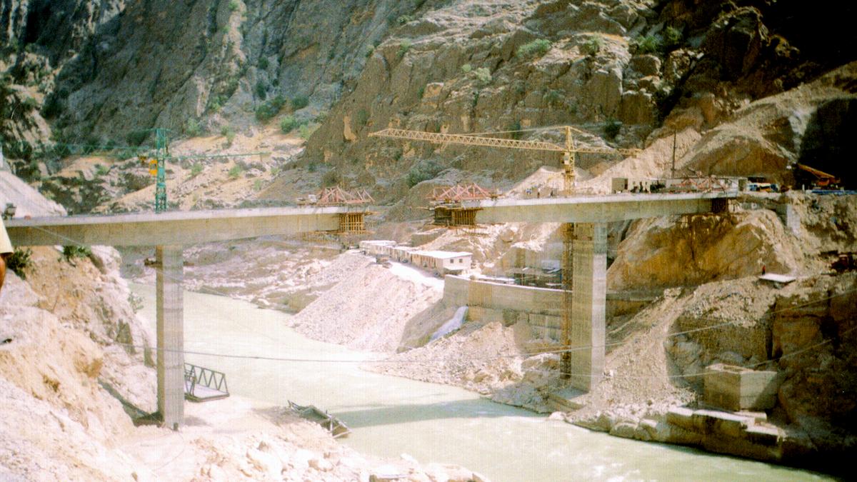 Karoon Third Access Bridge