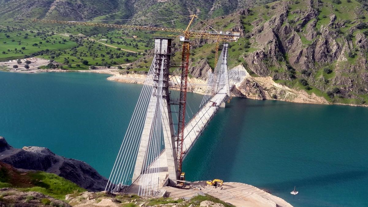Sebalootak Bridge